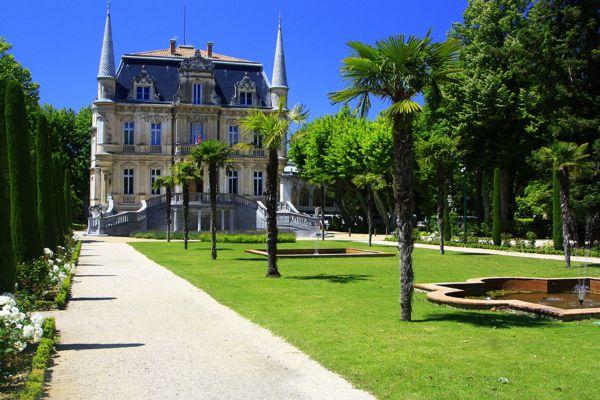 Courthézon - Hôtel de ville